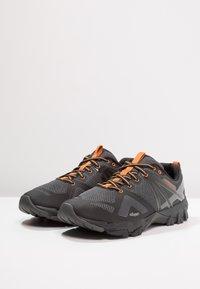 Merrell - FLEX GTX - Obuwie hikingowe - burnt/granite - 2