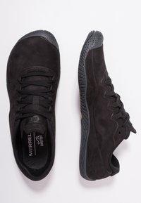 Merrell - VAPOR GLOVE LUNA - Zapatillas running neutras - black - 1