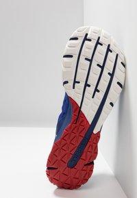 Merrell - BARE ACCESS FLEX 2 - Neutral running shoes - surf the web - 4