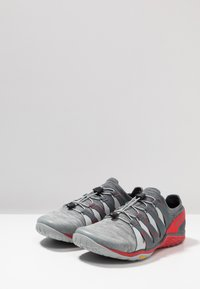 Merrell - TRAIL GLOVE 5 3D - Zapatillas de trail running - high rise - 2