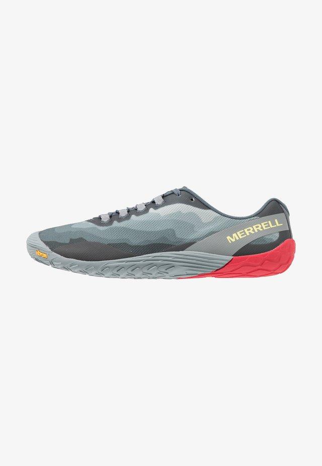 VAPOR GLOVE 4 - Minimalist running shoes - black