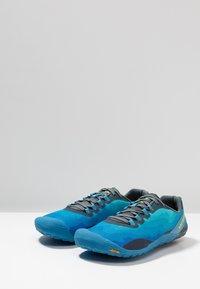 Merrell - VAPOR GLOVE 4 - Minimalist running shoes - mediterranian blue - 2