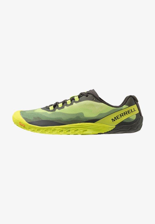 VAPOR GLOVE 4 - Minimalist running shoes - lime punch