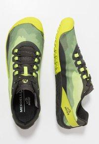 Merrell - VAPOR GLOVE 4 - Zapatillas running neutras - lime punch - 1