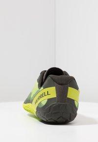 Merrell - VAPOR GLOVE 4 - Zapatillas running neutras - lime punch - 3