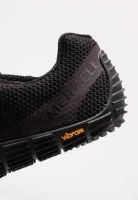 Merrell - MOVE GLOVE - Minimalistické běžecké boty - black - 5