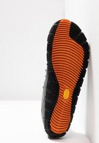 Merrell - MOVE GLOVE - Minimalist running shoes - granite - 4