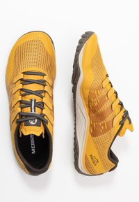 Merrell - TRAIL GLOVE 5 - Minimalist running shoes - gold - 1