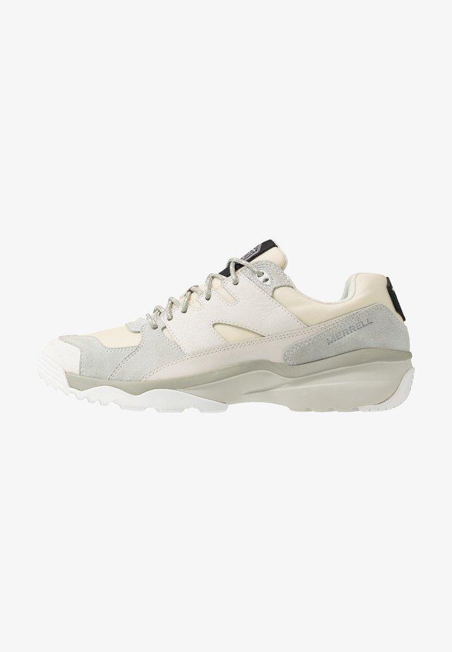 BOULDER RANGE - Sneakers - white