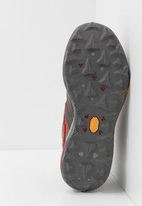 Merrell - ZION MID GTX - Obuwie hikingowe - grey - 4
