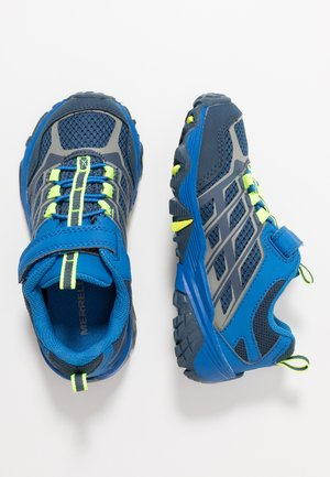 MOAB FST LOW WTRPF - Zapatillas de senderismo - navy/cobalt