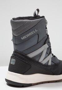 Merrell - M-SNOW CRUSH WTRPF - Vinterstøvler - grey/black - 2