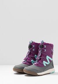 Merrell - SNOW CRUSH WTRPF - Talvisaappaat - purple/turq - 3