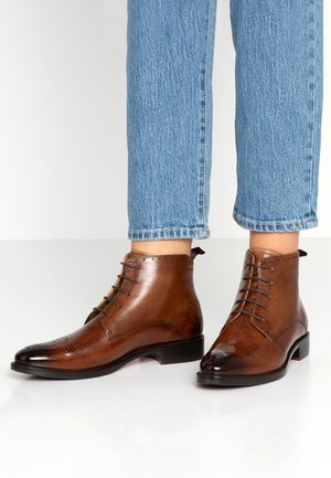 BETTY - Ankle boot - tobacco