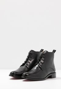 Melvin & Hamilton - BETTY - Kotníková obuv - black - 4
