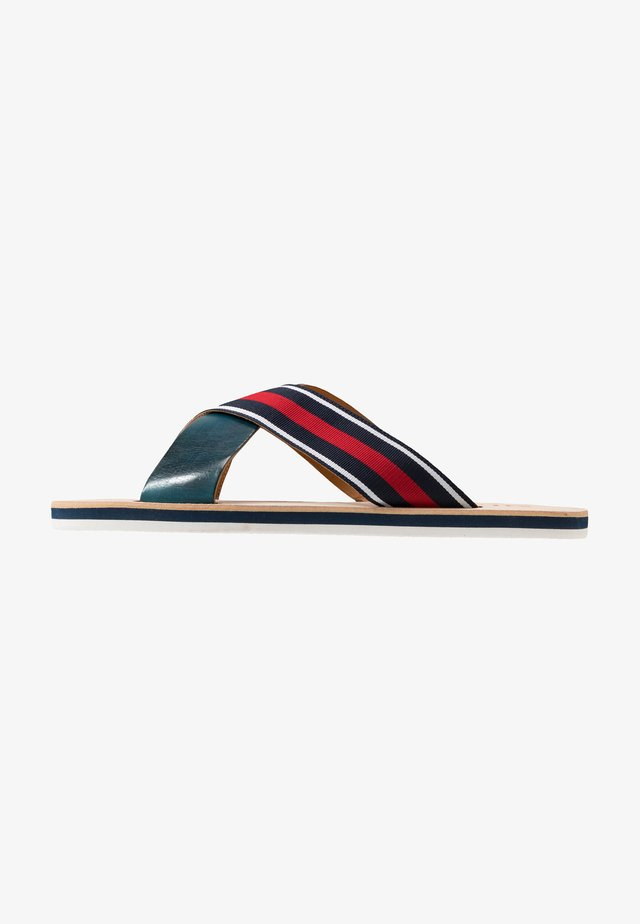 Klapki - navy/white/red