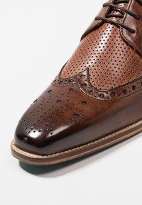 Melvin & Hamilton - MARTIN - Elegantní šněrovací boty - mid brown/wood/brown - 5