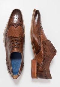 Melvin & Hamilton - MARTIN - Elegantní šněrovací boty - mid brown/wood/brown - 1