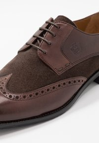 Melvin & Hamilton - Smart lace-ups - mogano/brown/rich tan/navy - 5