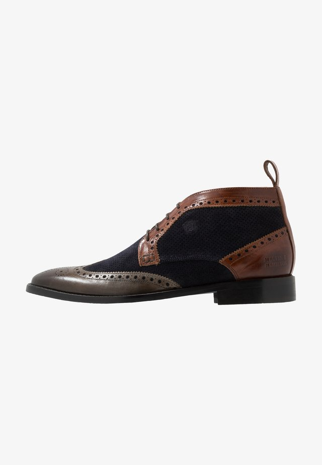 Šněrovací boty - stone