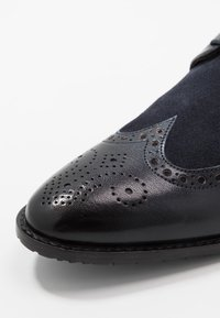Melvin & Hamilton - Derbies & Richelieus - navy - 5
