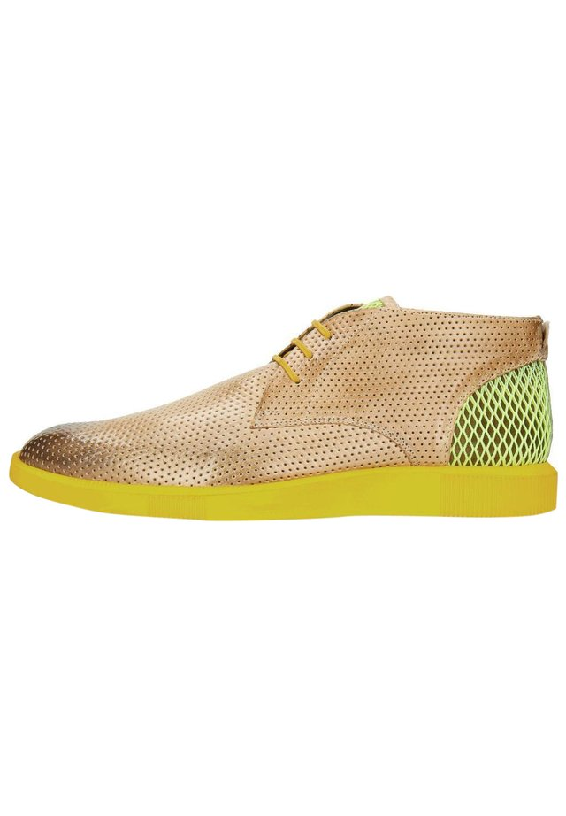 NEWTON 2 FRANKY PERFO DIGITAL UNDERLAY SUEDE YELLOW-42 - Trainers - multicolor