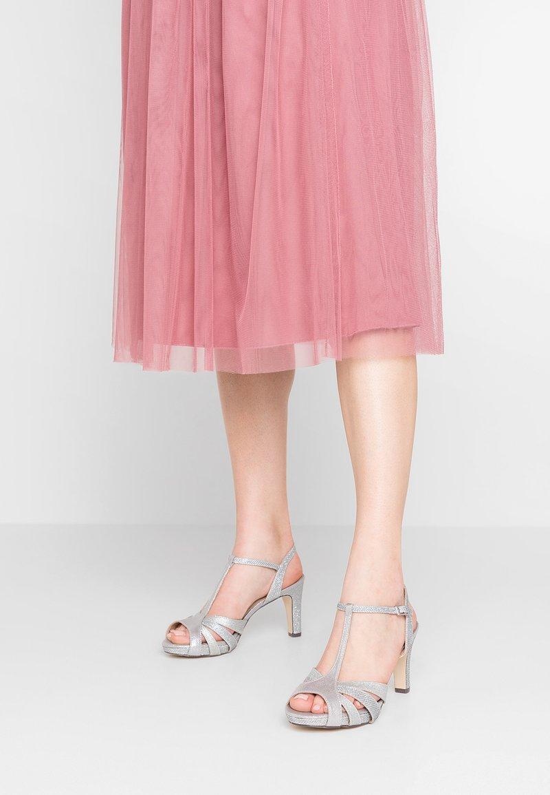 Menbur - High heeled sandals - grey