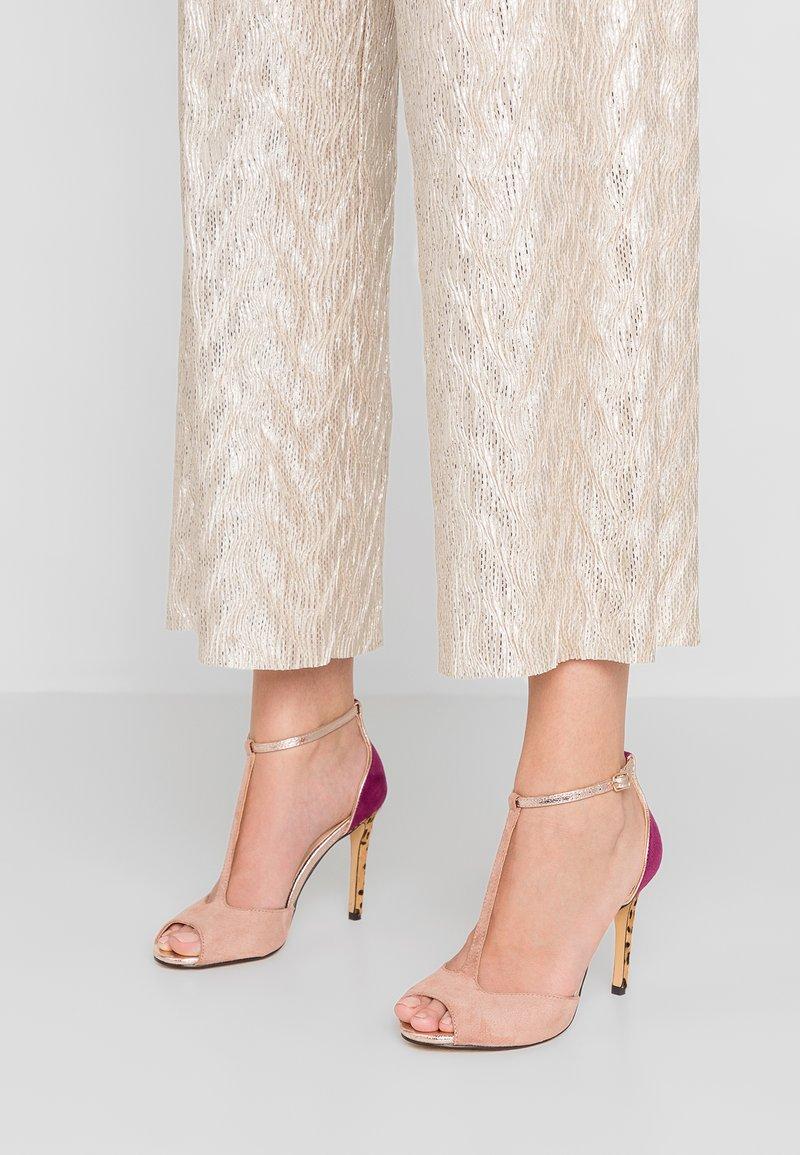 Menbur - High heeled sandals - rose