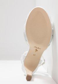 Menbur - Sandály na vysokém podpatku - ivory - 6