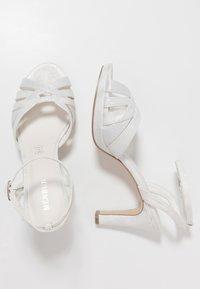 Menbur - Sandály na vysokém podpatku - ivory - 3