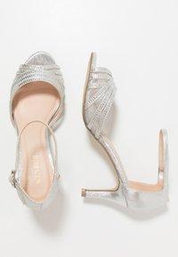 Menbur - Sandals - plata/silver - 3