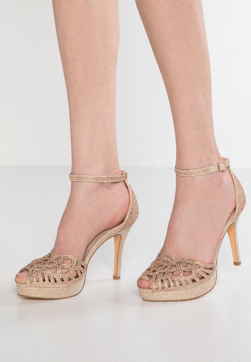 Menbur - High Heel Sandalette - stone