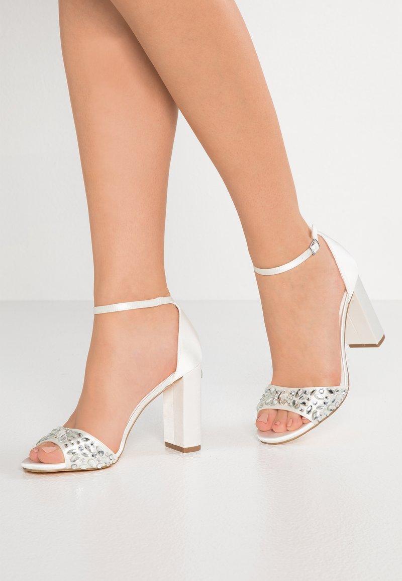 Menbur - High Heel Sandalette - ivory