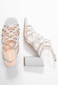 Menbur - Højhælede sandaletter / Højhælede sandaler - plata - 3