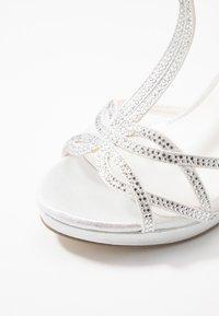 Menbur - Sandaler med høye hæler - marfil - 2