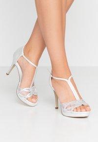 Menbur - Sandaler med høye hæler - marfil - 0