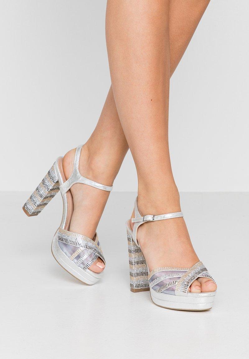Menbur - High Heel Sandalette - plata