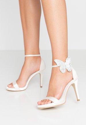 Sandales à talons hauts - marfil