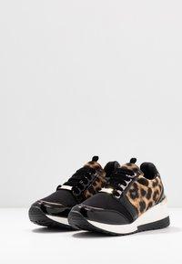 Menbur - Sneakers - black - 4