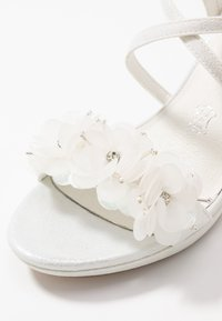 Menbur - High heeled sandals - ivory - 2