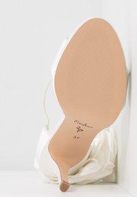 Menbur - High Heel Sandalette - ivory - 6