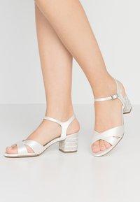 Menbur - Bridal shoes - ivory - 0