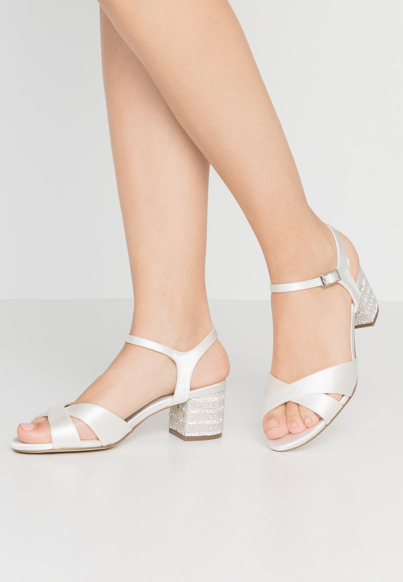Menbur - Bridal shoes - ivory