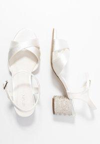 Menbur - Bridal shoes - ivory - 3
