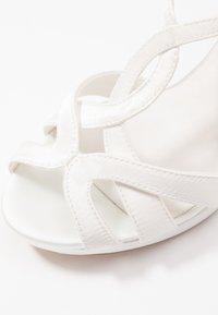 Menbur - Sandaler med høye hæler - ivory - 2