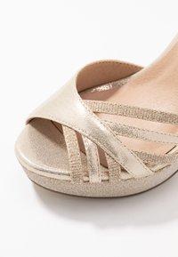 Menbur - Peeptoe heels - gold - 2