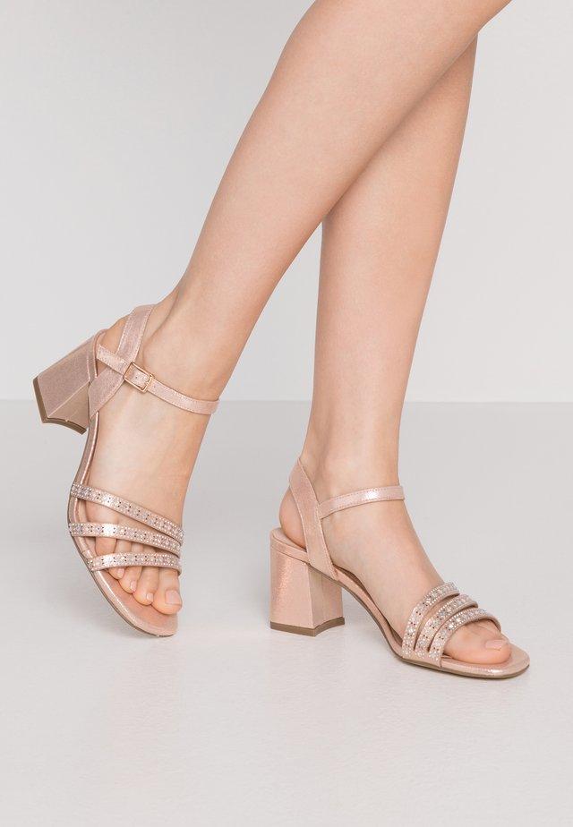 Sandales - even rose