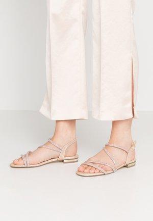 Sandaalit nilkkaremmillä - even rose