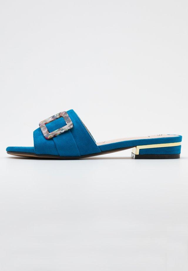 Slip-ins - blau