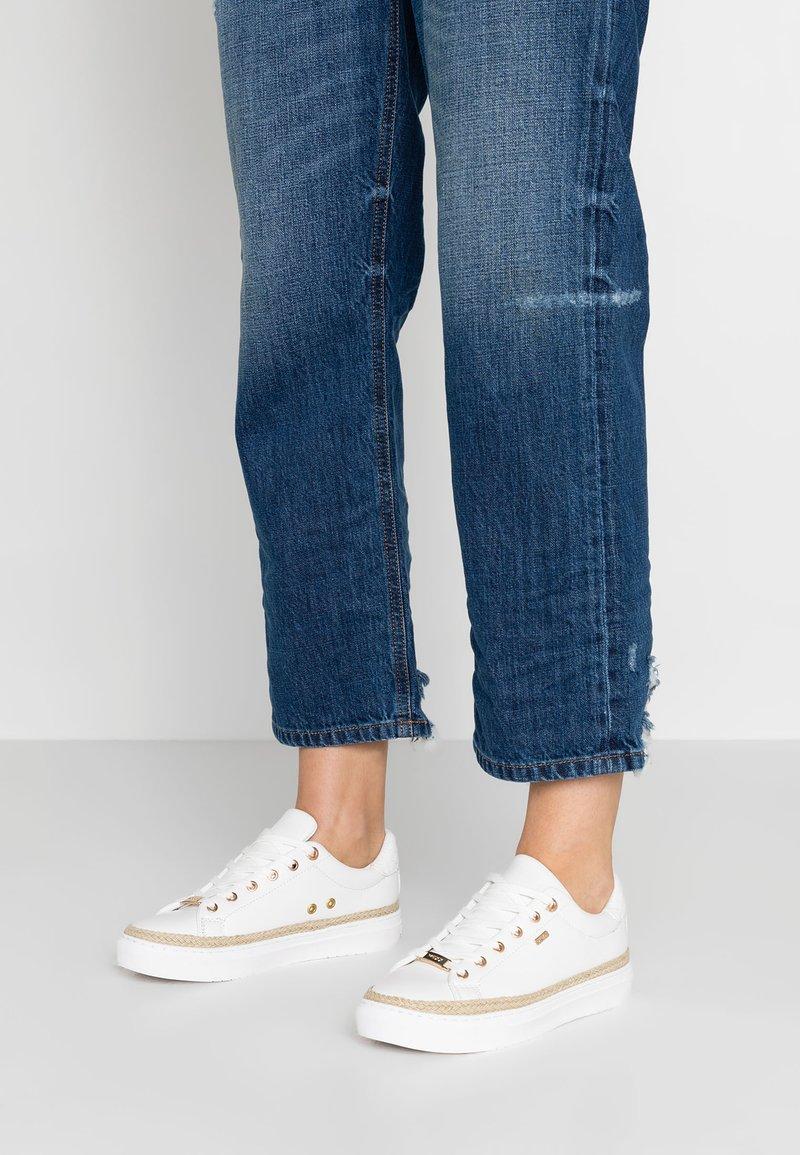 Mexx - CIS - Sneaker low - white